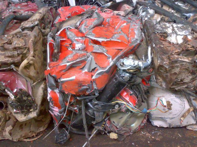 Утилизация старых автомобилей (7 фото)