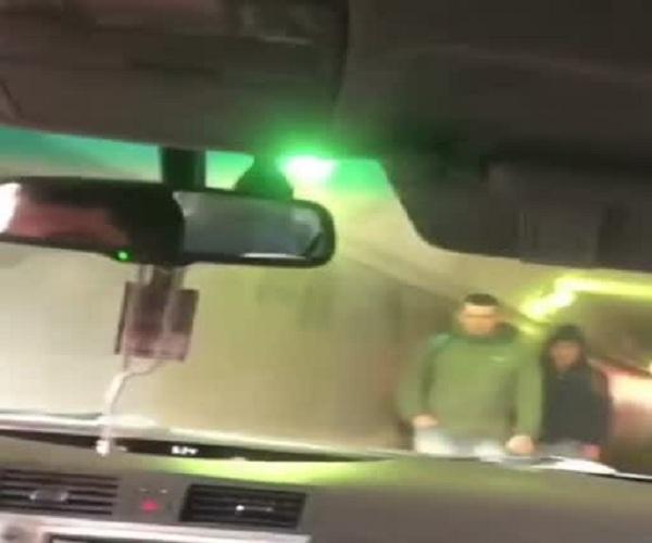 В Москве водитель проехал через пешеходный тоннель