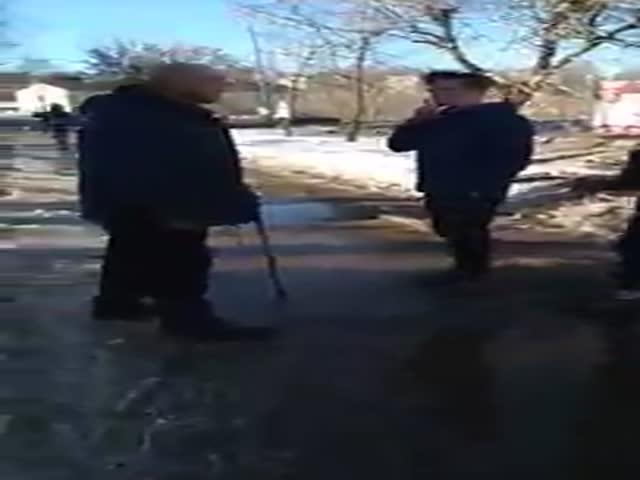 В Кировской области подростки избили мужчину с тростью
