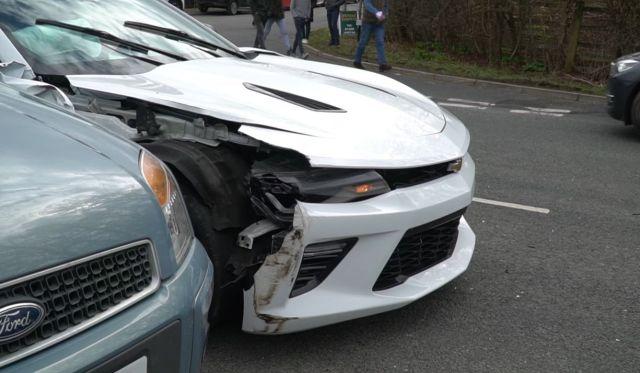 Новоиспеченный водитель Chevrolet Camaro переоценил свои возможности (3 фото + видео)