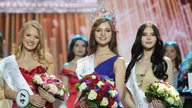 Победительницей конкурса «Мисс Россия» стала 18-летняя студентка Юлия Полячихина (15 фото)