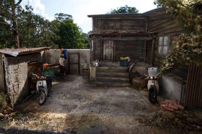 Потрясающие диорамы малазийского художника Эдди Путера (24 фото)