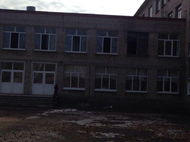 В Стерлитамаке 9-классник напал на учителя и одноклассниц
