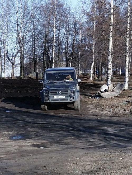 Очень экономный владелец Mercedes-Benz Gelandewagen (2 фото)