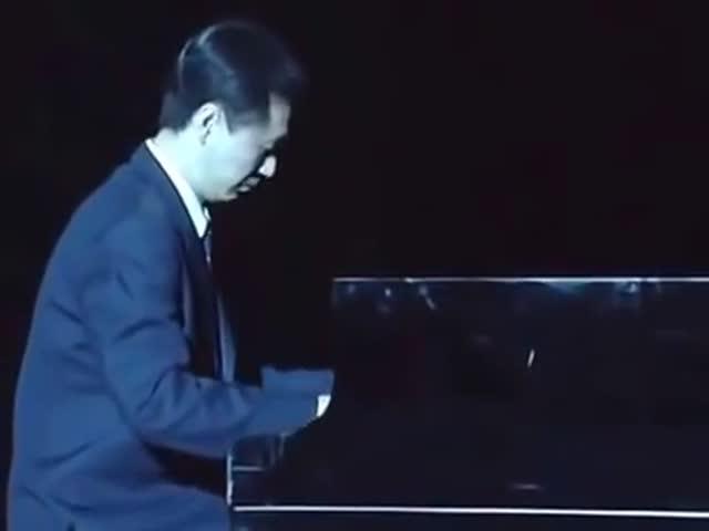 """""""Эхо любви"""" в исполнении северокорейских артистов"""