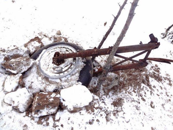 В болотах Новгородской области обнаружили останки двух членов экипажа советского бомбардировщика ДБ-3 (49 фото)