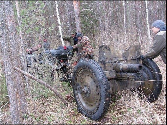 Эстонские поисковики обнаружили прекрасно сохранившуюся полковую пушку образца 1927 года (17 фото)