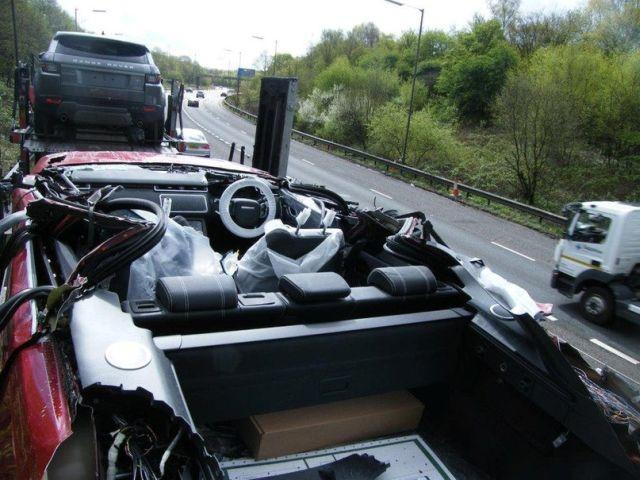 """В Великобритании новый Range Rover превратился в """"кабриолет"""" (3 фото)"""