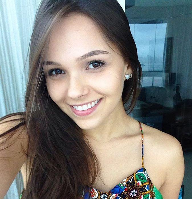 Милые и симпатичные девушки (53 фото)