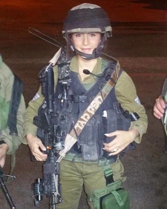 Орин Джули - очаровательный ветеран израильской армии (14 фото)