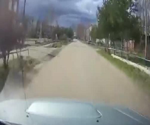 Неравнодушный автомобилист бросился догонять грабителей