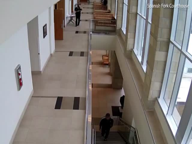 В США обвиняемый попытался сбежать с зала суда