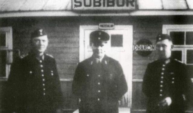 Побег узников нацистского концлагеря Собибор (9 фото)