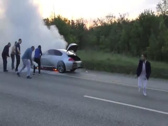 """На трассе М-4 """"Дон"""" сгорел автомобиль BMW 6-Series"""