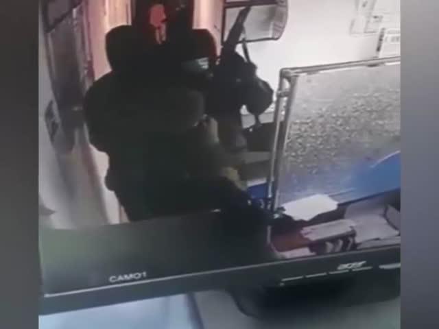 Вооруженное нападение на отделение «Почты России» в Назрани