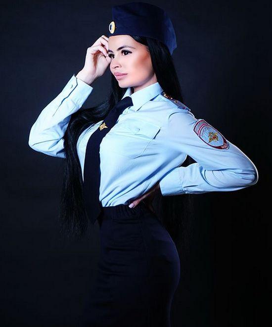 "Виктория Якунина - ""сотрудница полиции"", которая любит блатняк (16 фото + видео)"