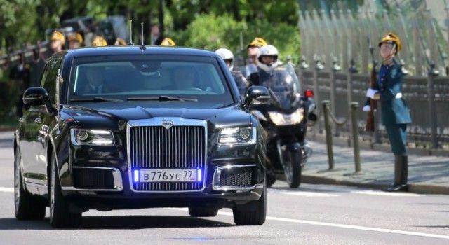 Лимузин «Кортеж» президента Владимира Путина получил вполне обычные номера (2 фото)
