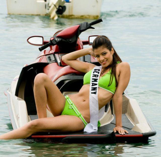 Самые красивые девушки Таджикистана (9 фото)