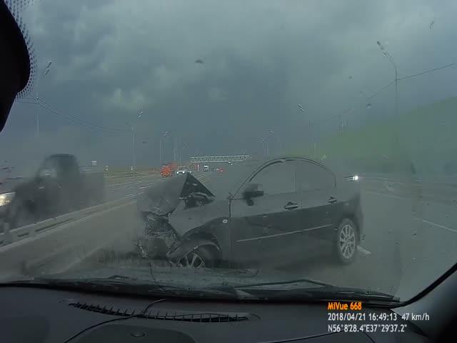 Серьезная авария на Дмитровском шоссе
