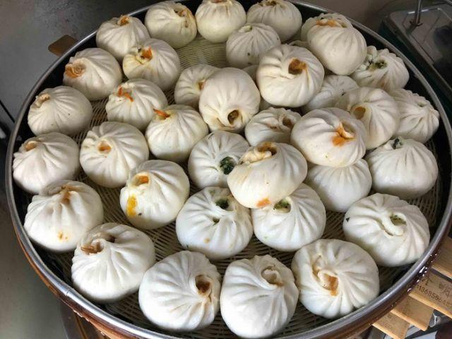 Китаец заплатил 22 000 долларов за порцию пирожков баоцзы (3 фото)