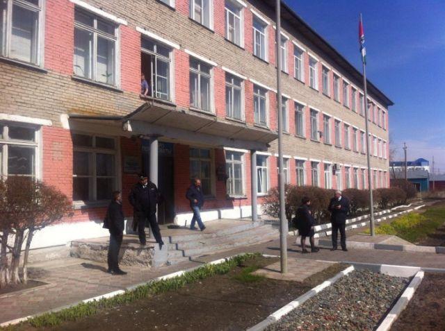 Под Новосибирском учащийся колледжа открыл стрельбу по одногруппникам (4 фото)