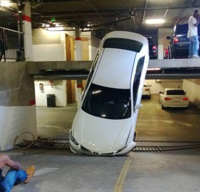 Необычные аварии (36 фото)
