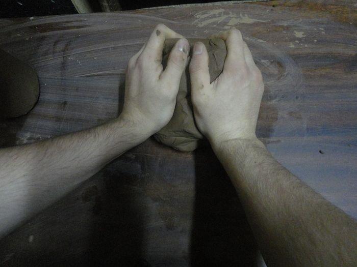 Фотоотчет об изготовлении глиняных кружек (18 фото)