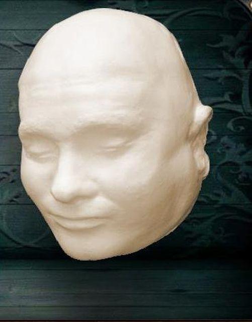 Посмертные маски известных личностей (27 фото)
