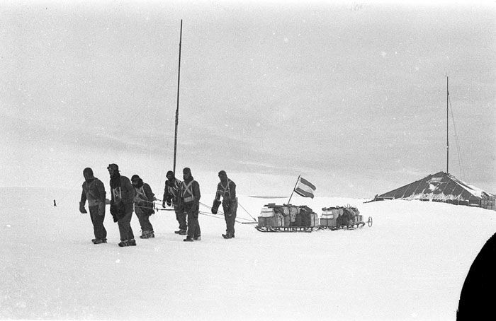 Фото с Австралийской антарктической экспедиции Дугласа Моусона (33 фото)