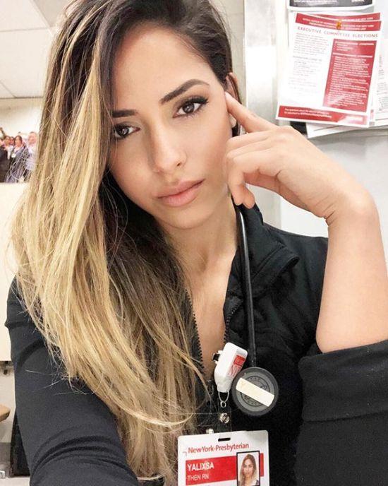 Медсестра, заслуживающая нашего внимания (20 фото)