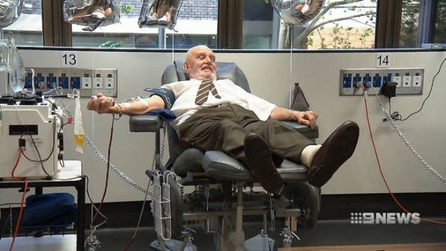 Джеймс Харрисон - донор, которому обязаны жизнью 2,4 миллиона человек (5 фото)