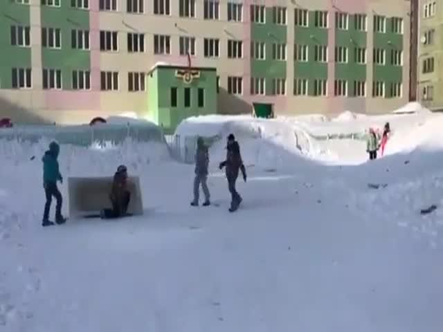 Майские забавы юных жителей Норильска
