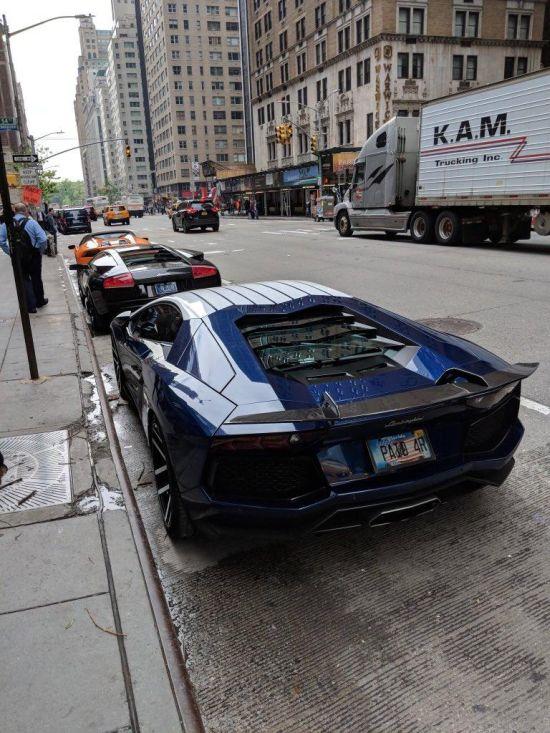Суперкары Lamborghini у места провидения блокчейн-конференци оказались уловкой организаторов (3 фото + видео)