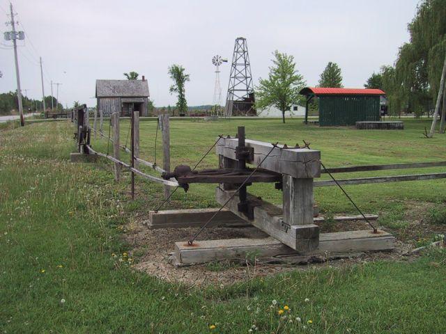 Старинное устройство передачи механической энергии (10 фото + 2 видео)