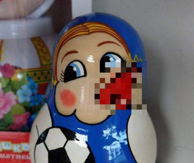 Матрешка со свистком позабавила пользователей сети (2 фото)