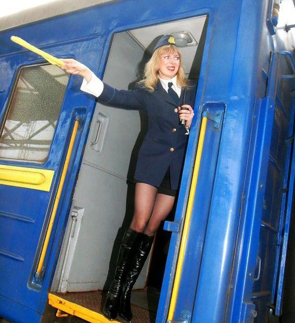 Сотрудницы железной дороги (25 фото)
