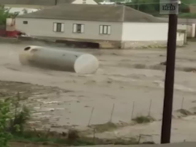 В Дагестане реки вышли берегов и затопили все вокруг