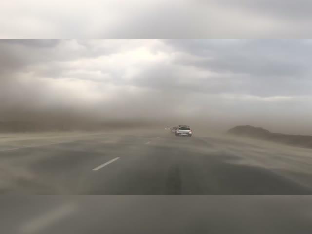 ! Сильный ветер в Тюмени