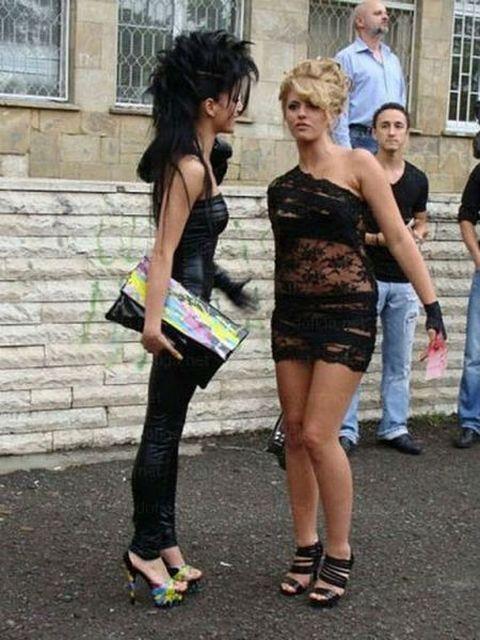 Странные платья выпускниц (19 фото)
