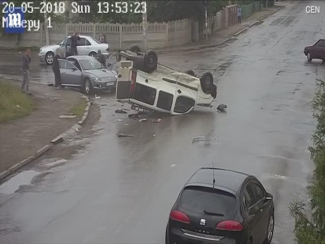Водитель чудом не пострадал в серьезной аварии