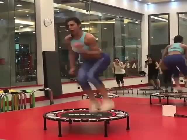 Тренировка на батуте