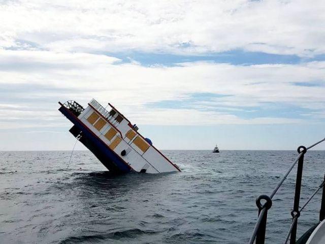 Старинный пароход «Оливер Кромвель» был продан после реставрации, но покупателю не было суждено его получить (4 фото + видео)