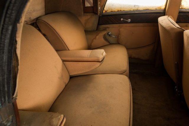 В Нью-Йорке нашли три забытых раритетных авто стоимостью в миллион долларов (12 фото)