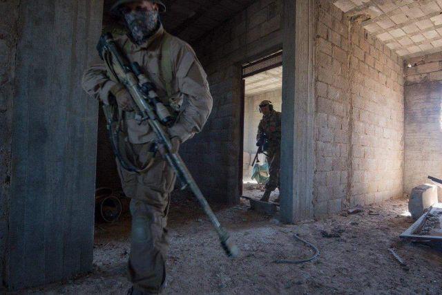 Российские снайперы в Восточной Гуте (4 фото)