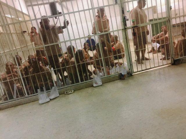 Особенности иностранных тюрем (7 фото)