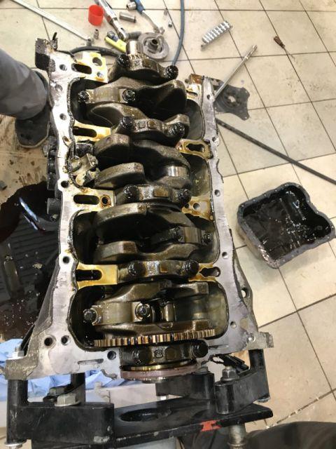 К чему приводит экономия на замене масла в двигателе (10 фото)