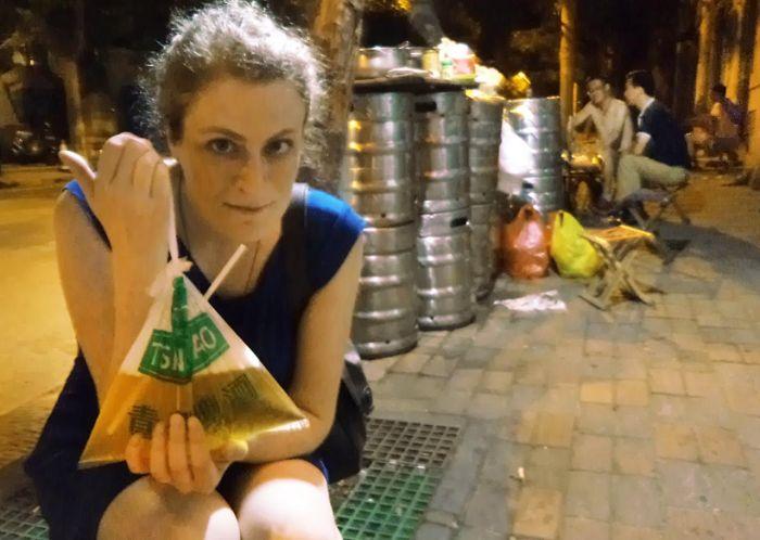 Пакетированное пиво из Китая (5 фото)