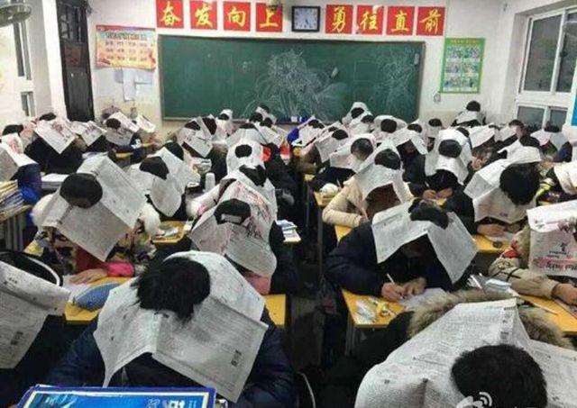 Борьба со списыванием в Китае (2 фото)