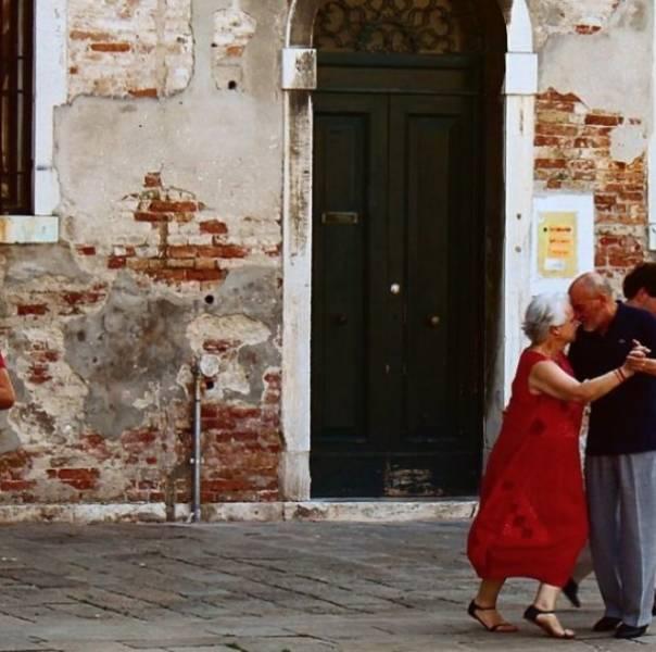 Любовь, пронесенная через десятилетия (21 фото)