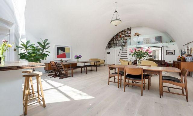 Дом-студия под железнодорожным виадуком в Лондоне продается за 1,6 млн долларов (16 фото)